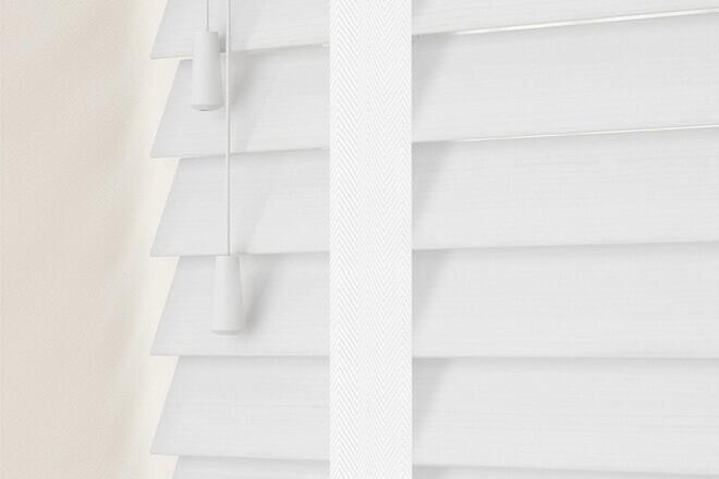 Charisma 35 BW Fine Grain - 35mm Slat Faux Wood Blind Super White Tape